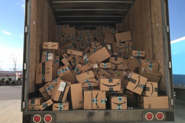 Amazon Xmas profits soar