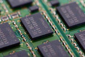 Microchip spying Amazon_Apple